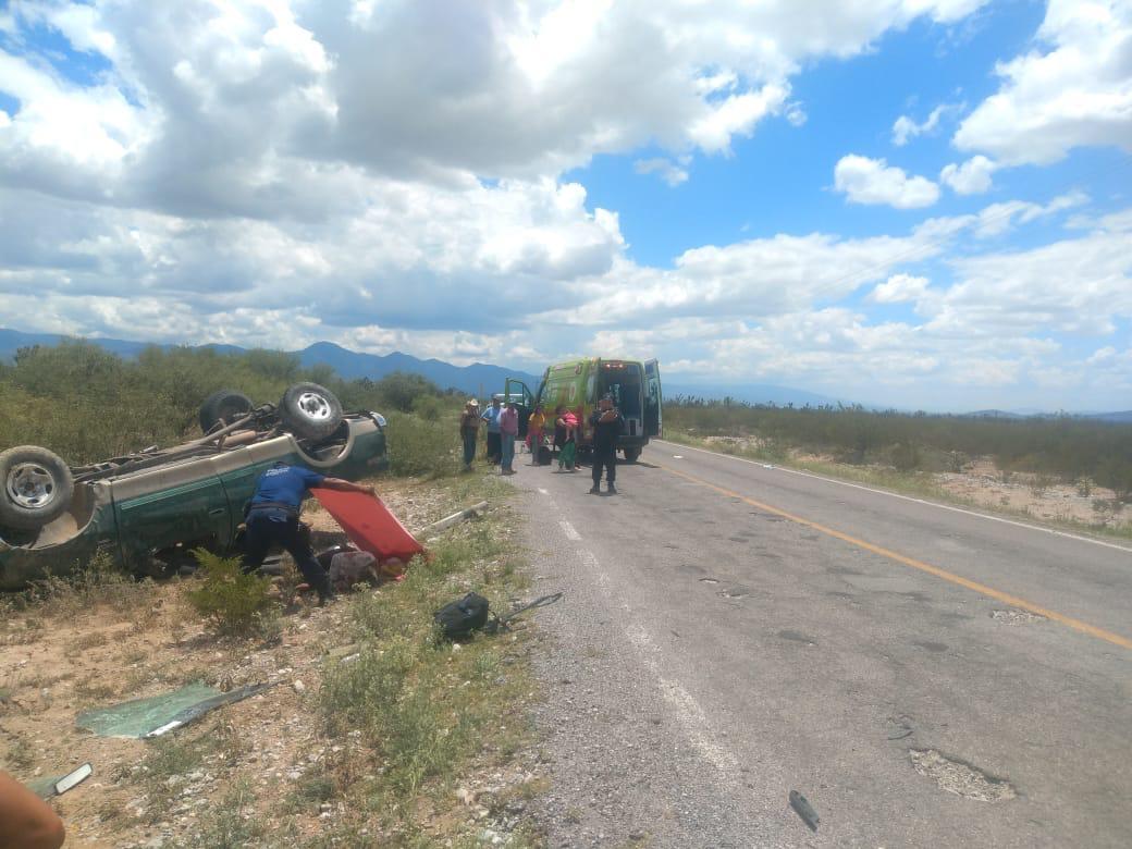 Muere niña Salvadoreña y pollero al volcarse la camioneta en la que  viajaban - Círculo Informativo Noticias